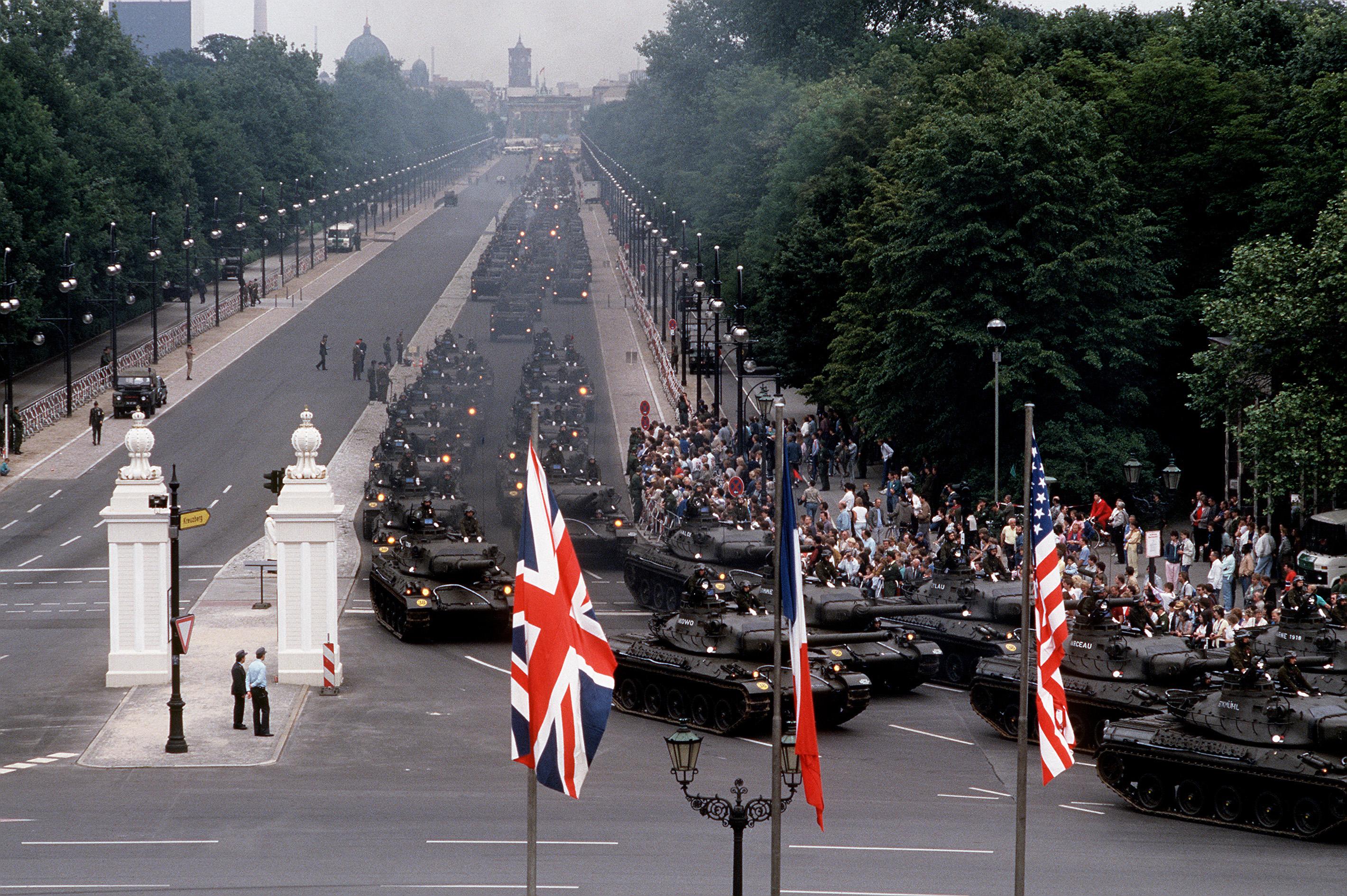 Parade_de_l'arm%C3%A9e_fran%C3%A7aise_%C