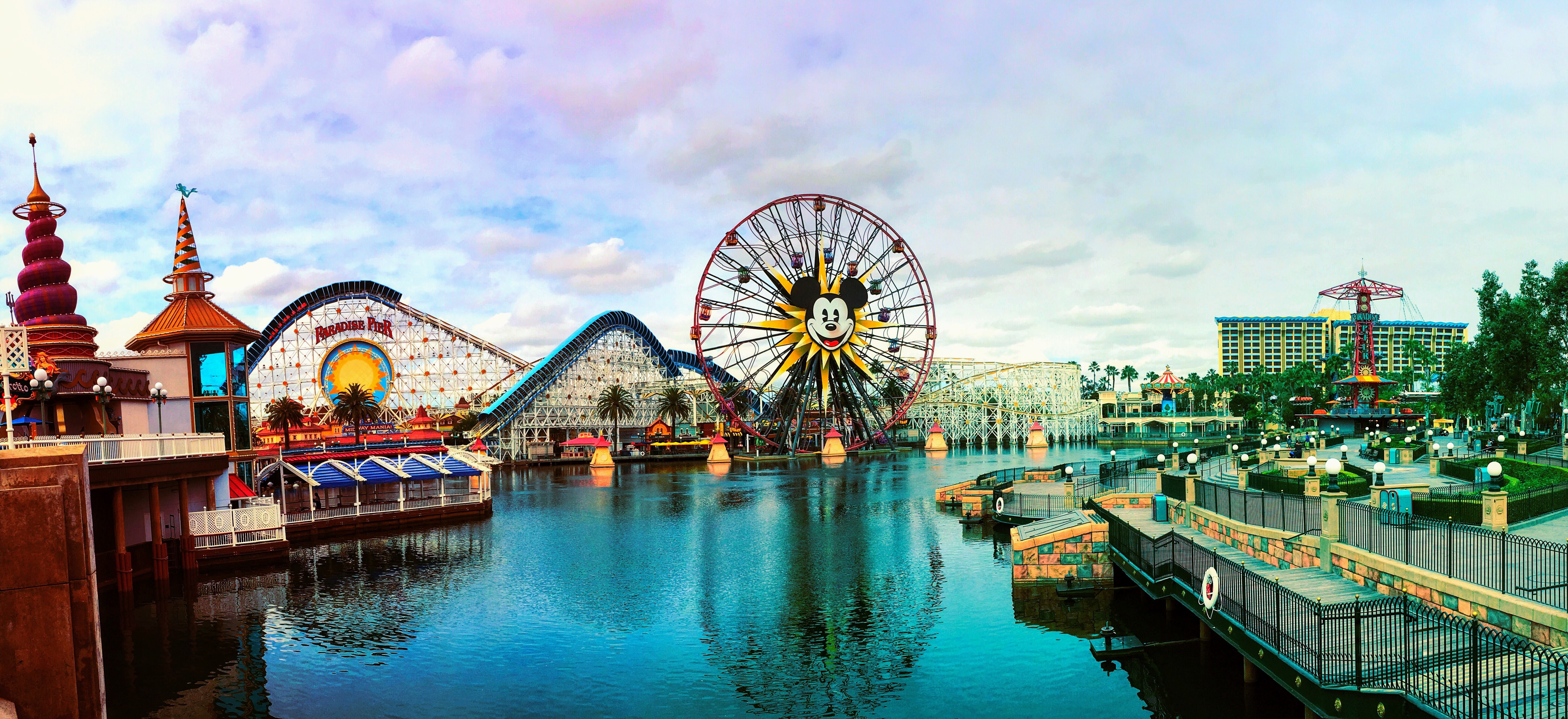 File Paradise Pier Jpg Wikimedia Commons