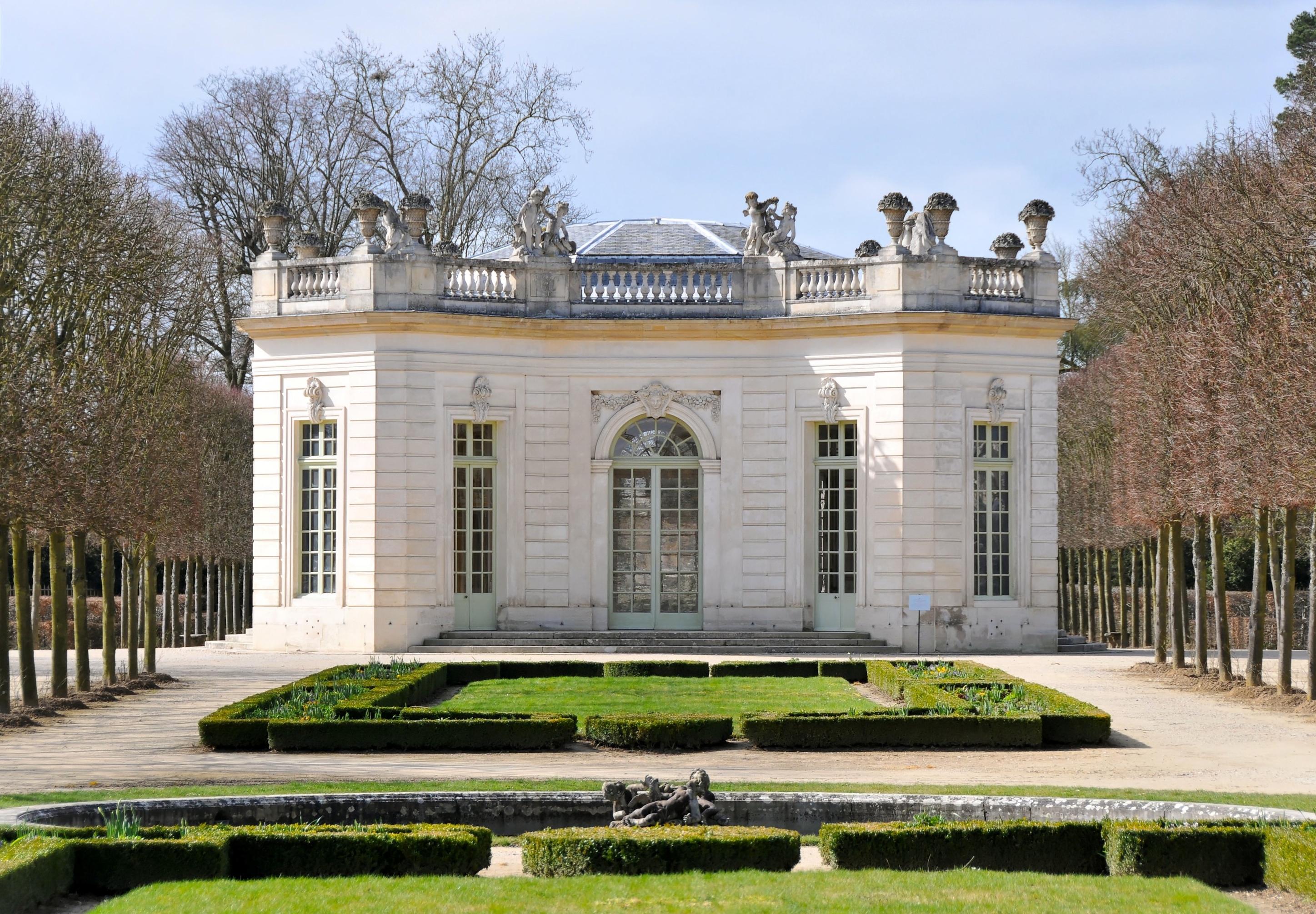 Pavillon français — Wikipédia
