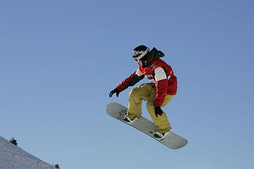 Un grand choix de snowboard en location parmi notre sélection Burton, K2.