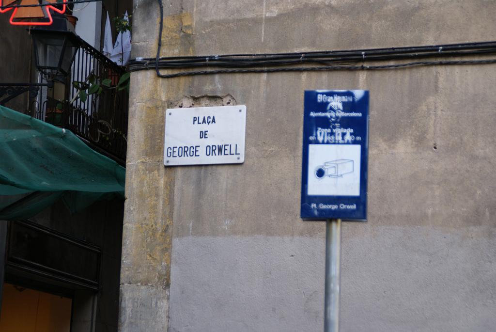 Plaza George Orwell, Barcelona..jpg