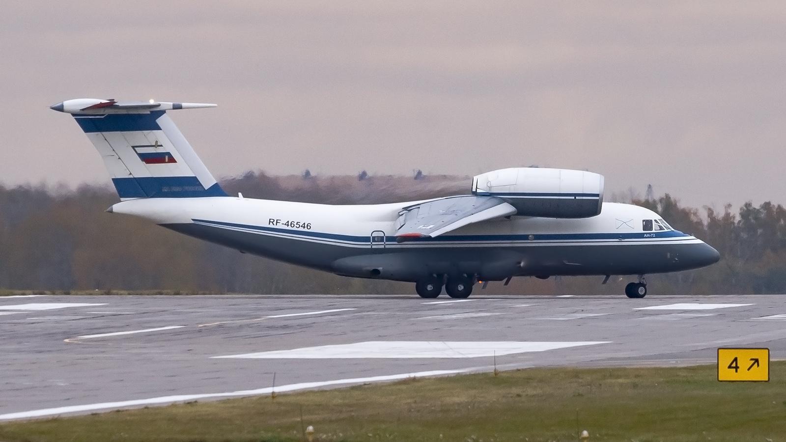 RF-46546_AN72_Russian_Navy_Air_Force_OSF_%2833415180395%29_%282%29.jpg