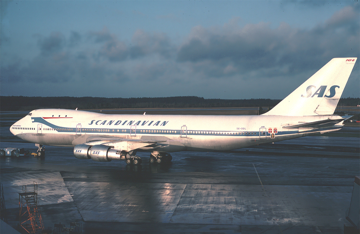 Revell boeing 747 8f cargolux for Interieur 747 cargo