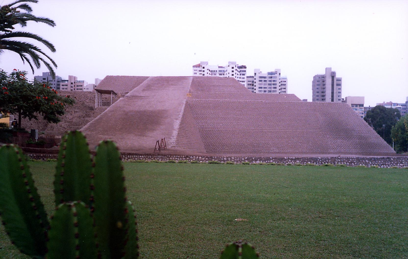 San Isidro Huallamarca view01.jpg