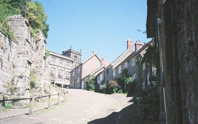 Shaftesbury, up Gold Hill - geograph.org.uk - 522840