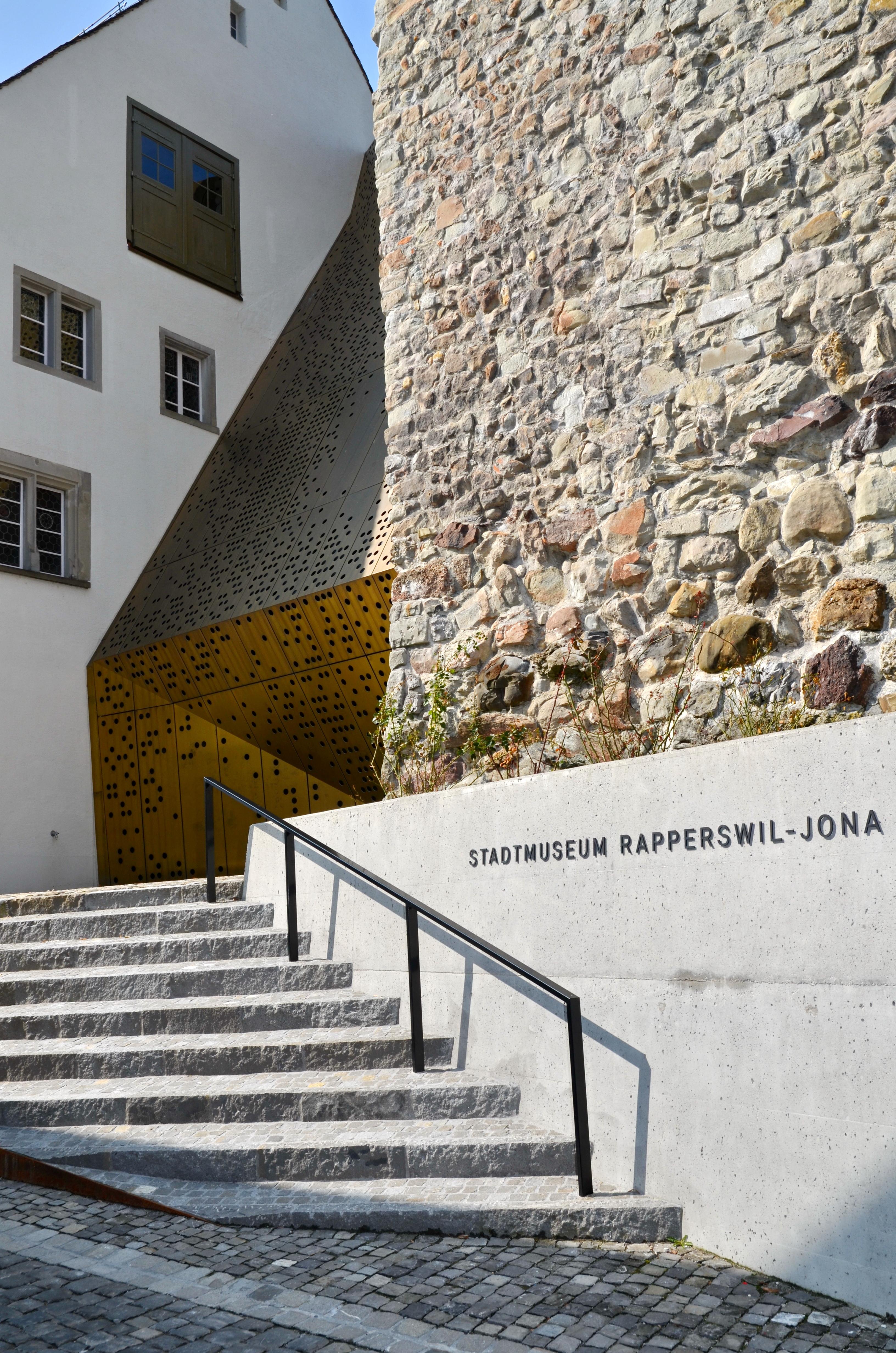 FileStadtmuseum RapperswilJona BrenyHaus und turm Herrenberg