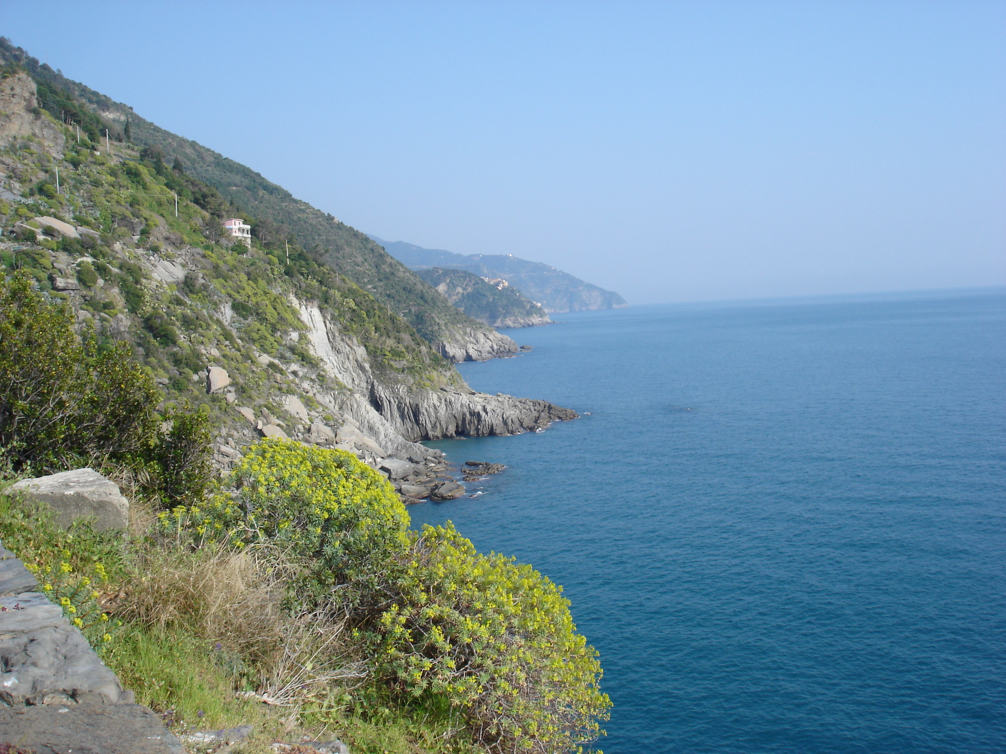 Tower lookout, Vernazza, Italy - panoramio.jpg
