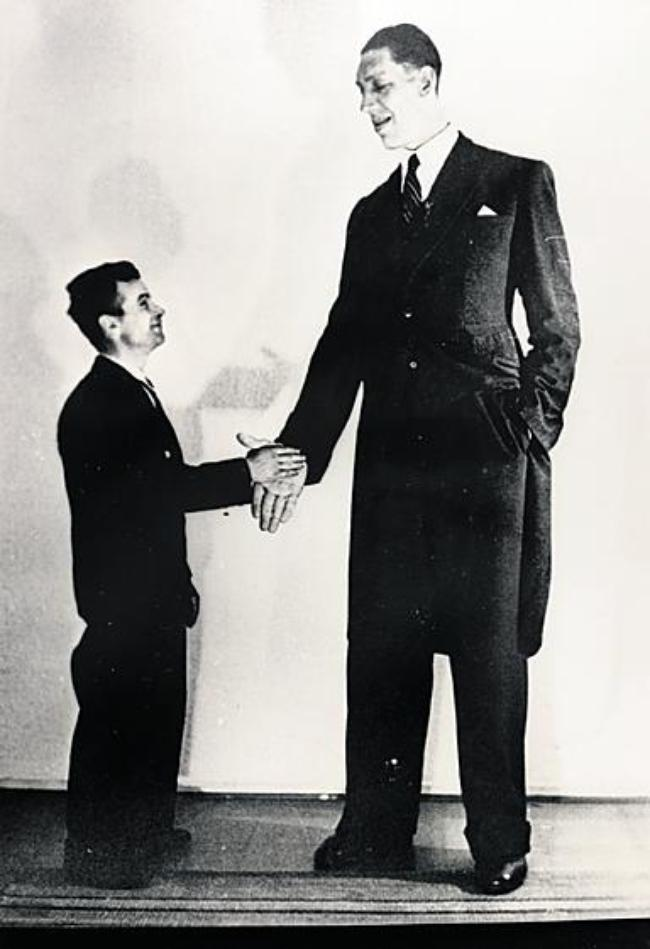 Tallest Man In World Shoe Size
