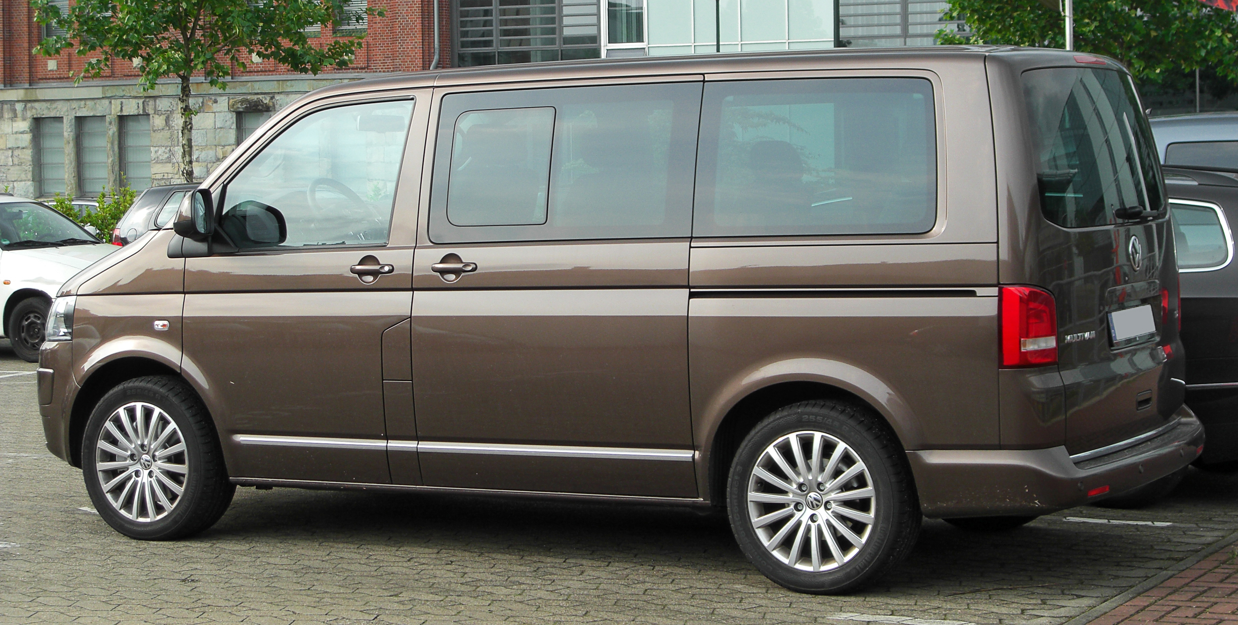 volkswagen multivan reviews volkswagen multivan car reviews. Black Bedroom Furniture Sets. Home Design Ideas