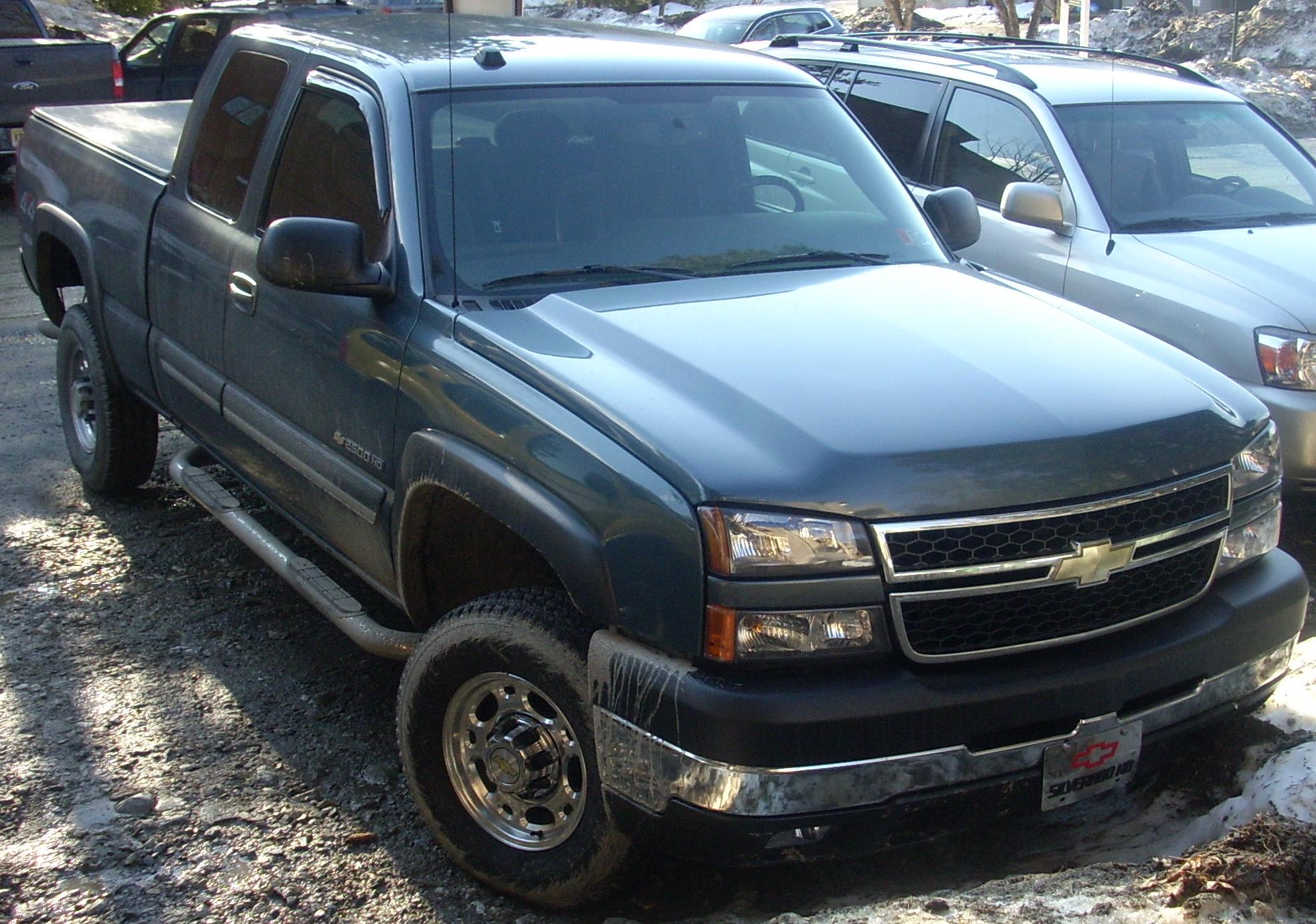 File:'06 Chevrolet Silverado 2500HD Extended.jpg - Wikimedia Commons