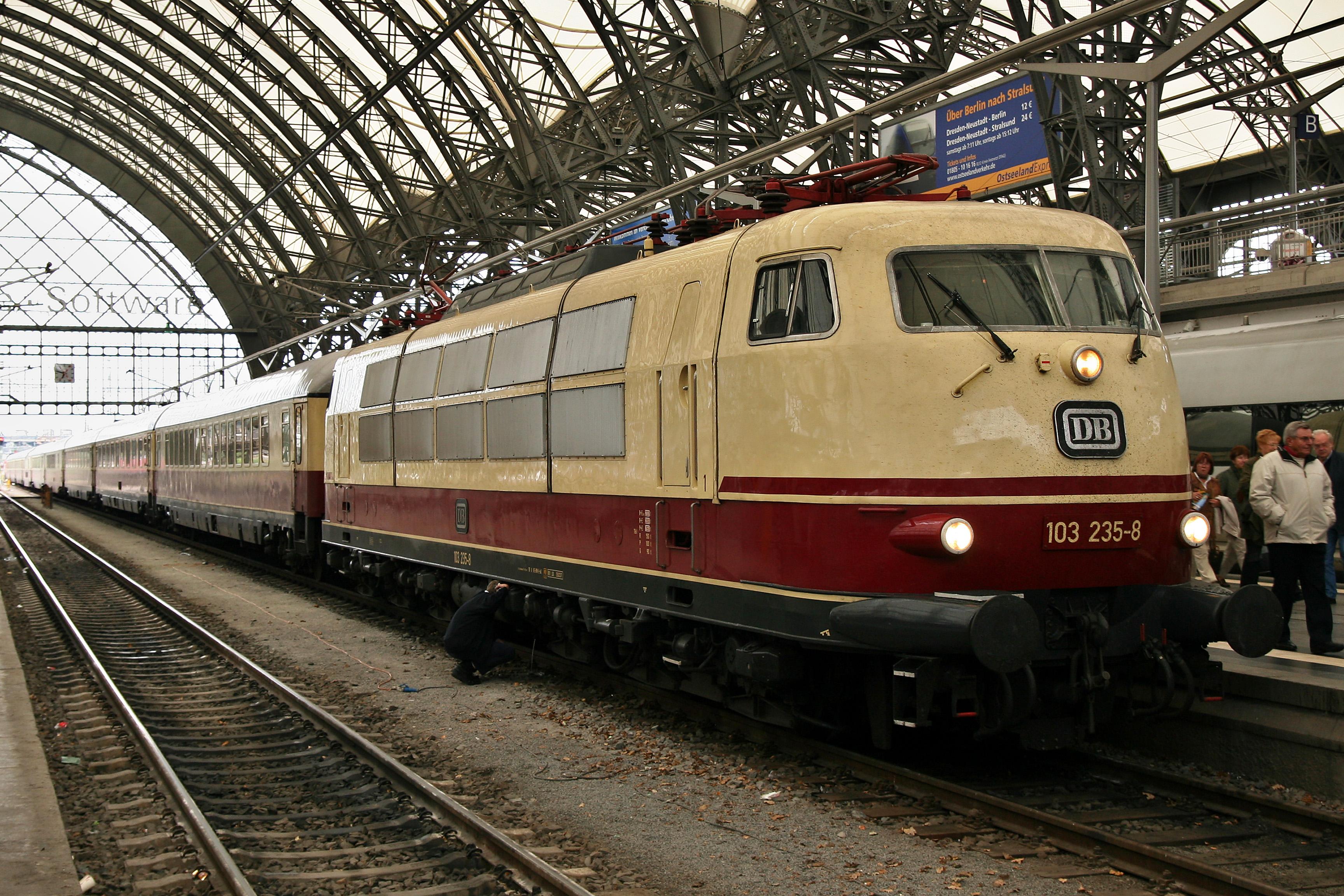 Dostal Baureihe 103 die erste Schnellfahr-Lokomotive d DB Lok//Handbuch//Technik