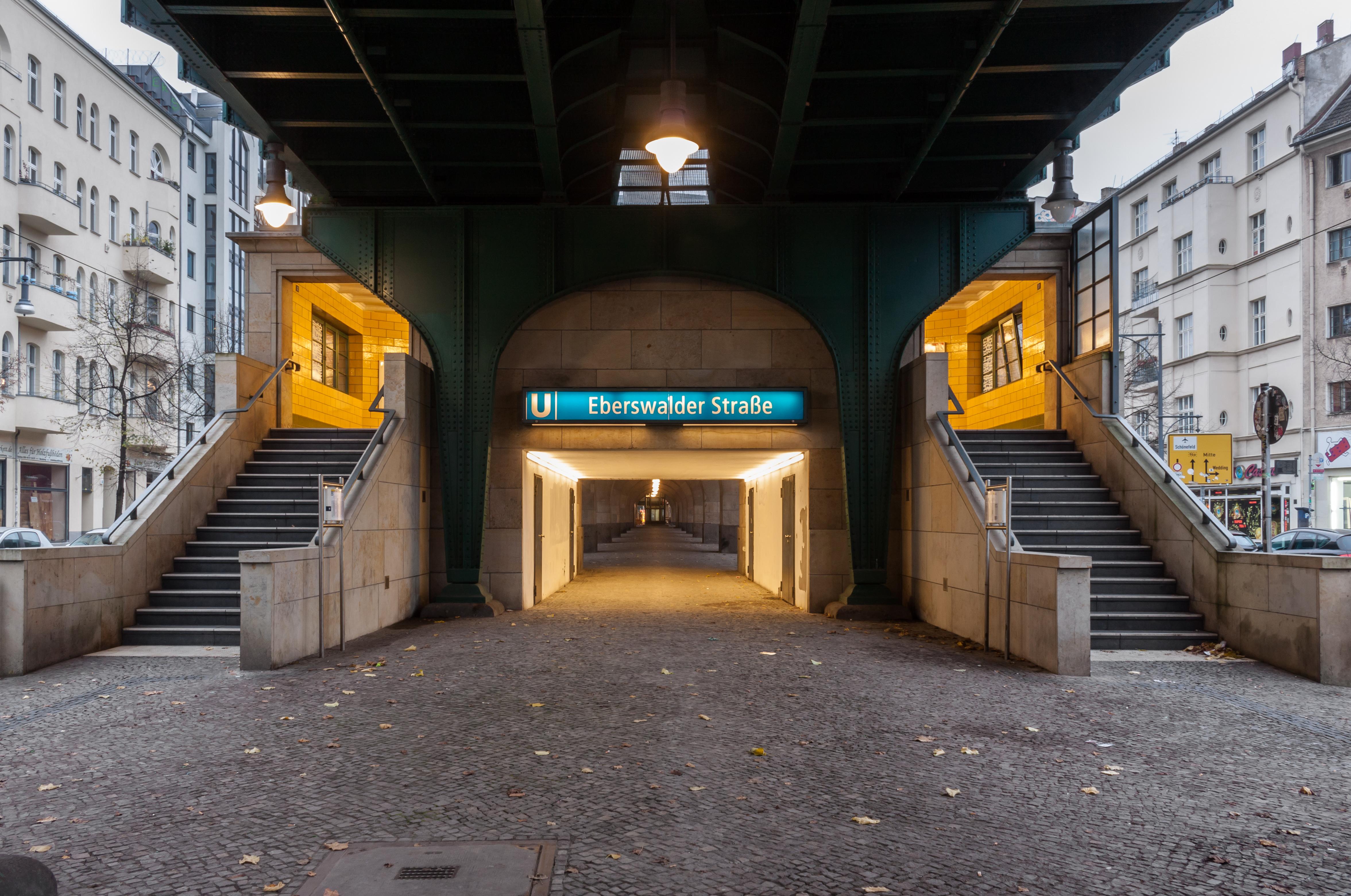 File 141116 Berlin U Bahnhof Eberswalder Strasse Eingang Nord Jpg