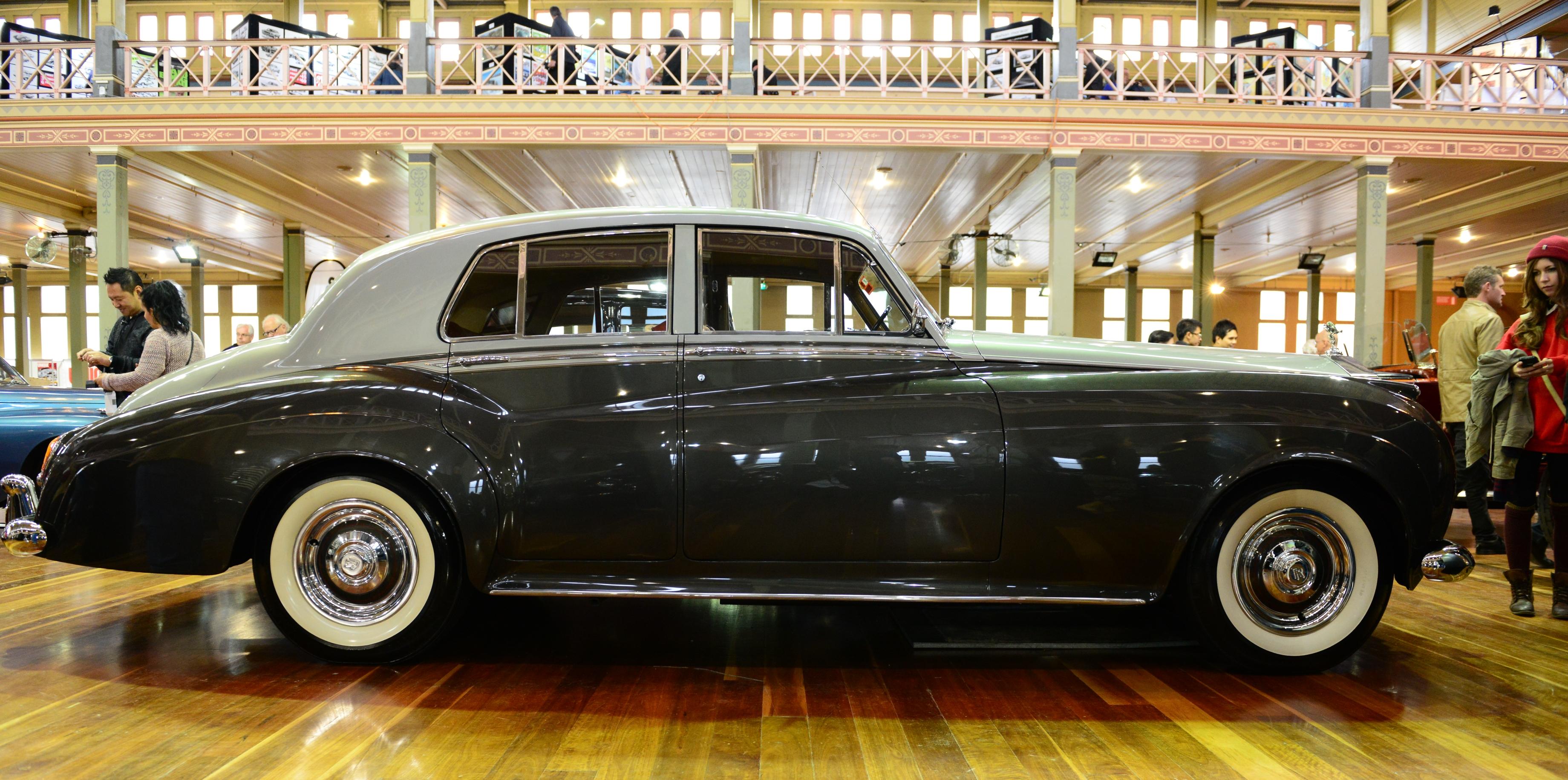 File:1961 Rolls-Royce Silver Cloud II (2013 RACV MotorClassica) (10492690735