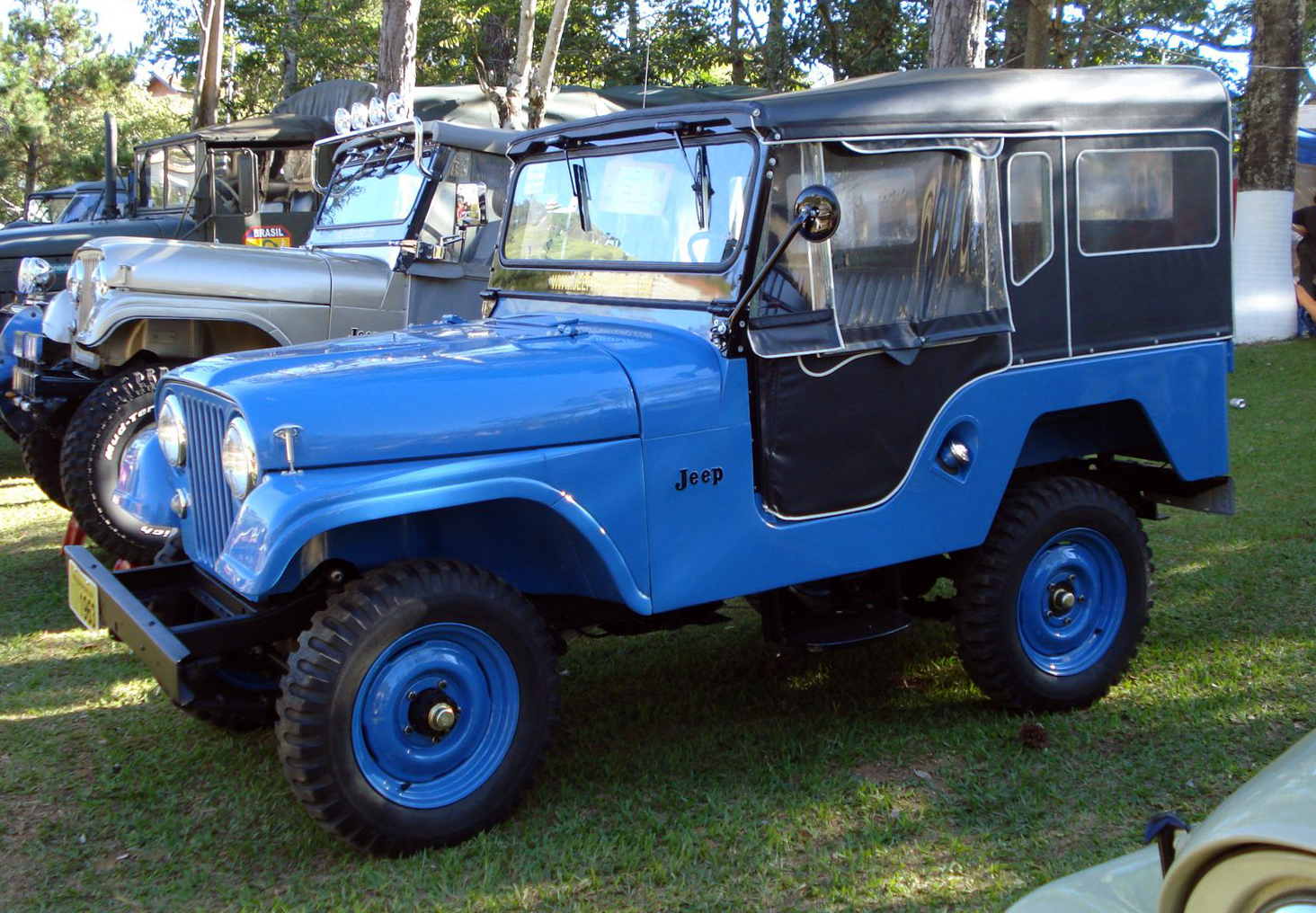 Jeep Willys Renegade >> File:1963 Willys Jeep Universal.jpg - Wikimedia Commons