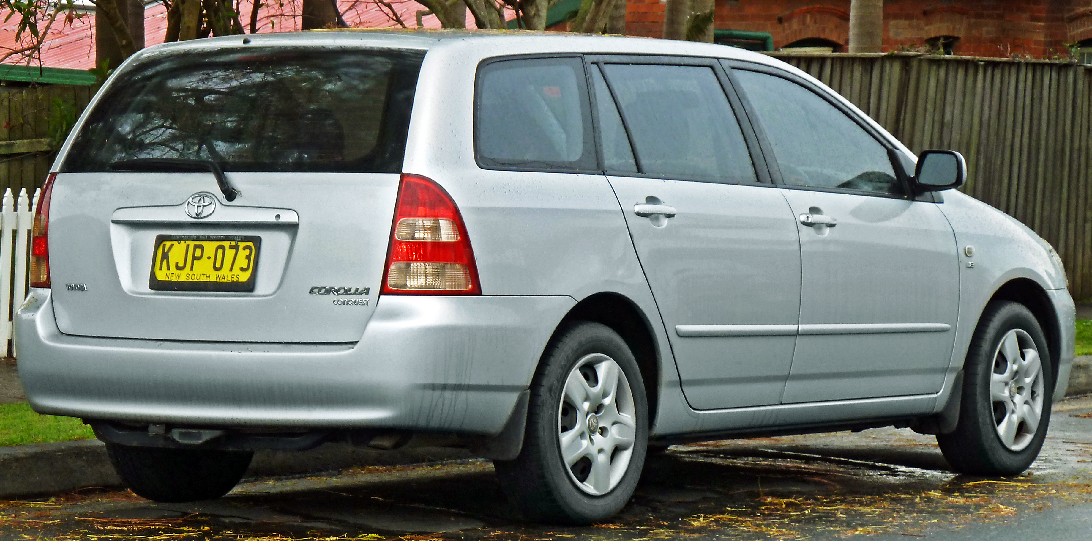 file:2001-2003 toyota corolla (zze122r) conquest station wagon