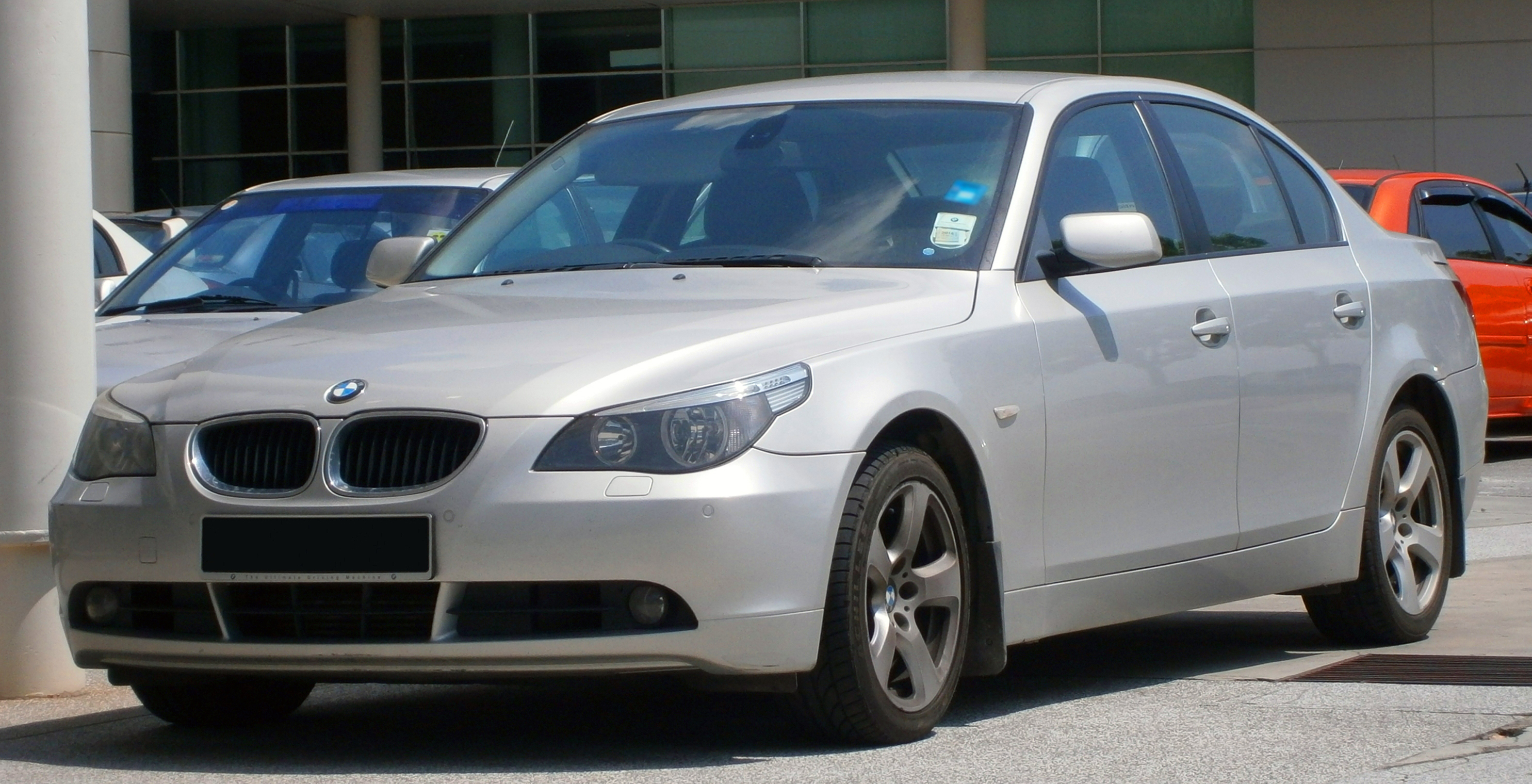 file 2004 2007 bmw 525d e60 5 series saloon in cyberjaya malaysia 01 jpg wikipedia. Black Bedroom Furniture Sets. Home Design Ideas