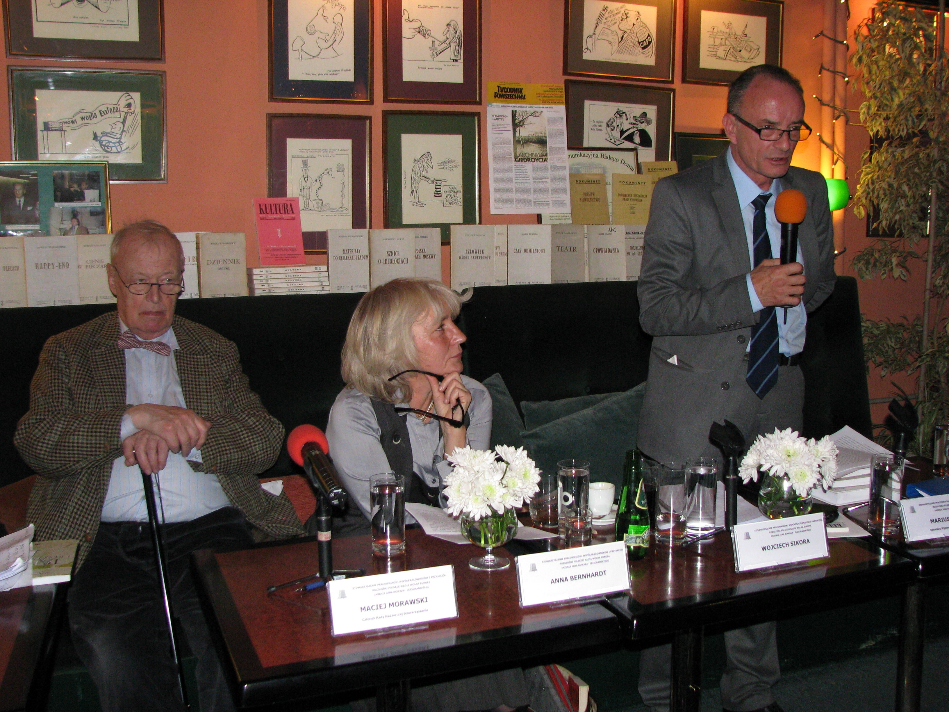 Anna Bernhardt file:2012.10.24. maciej morawski and anna bernhardt and