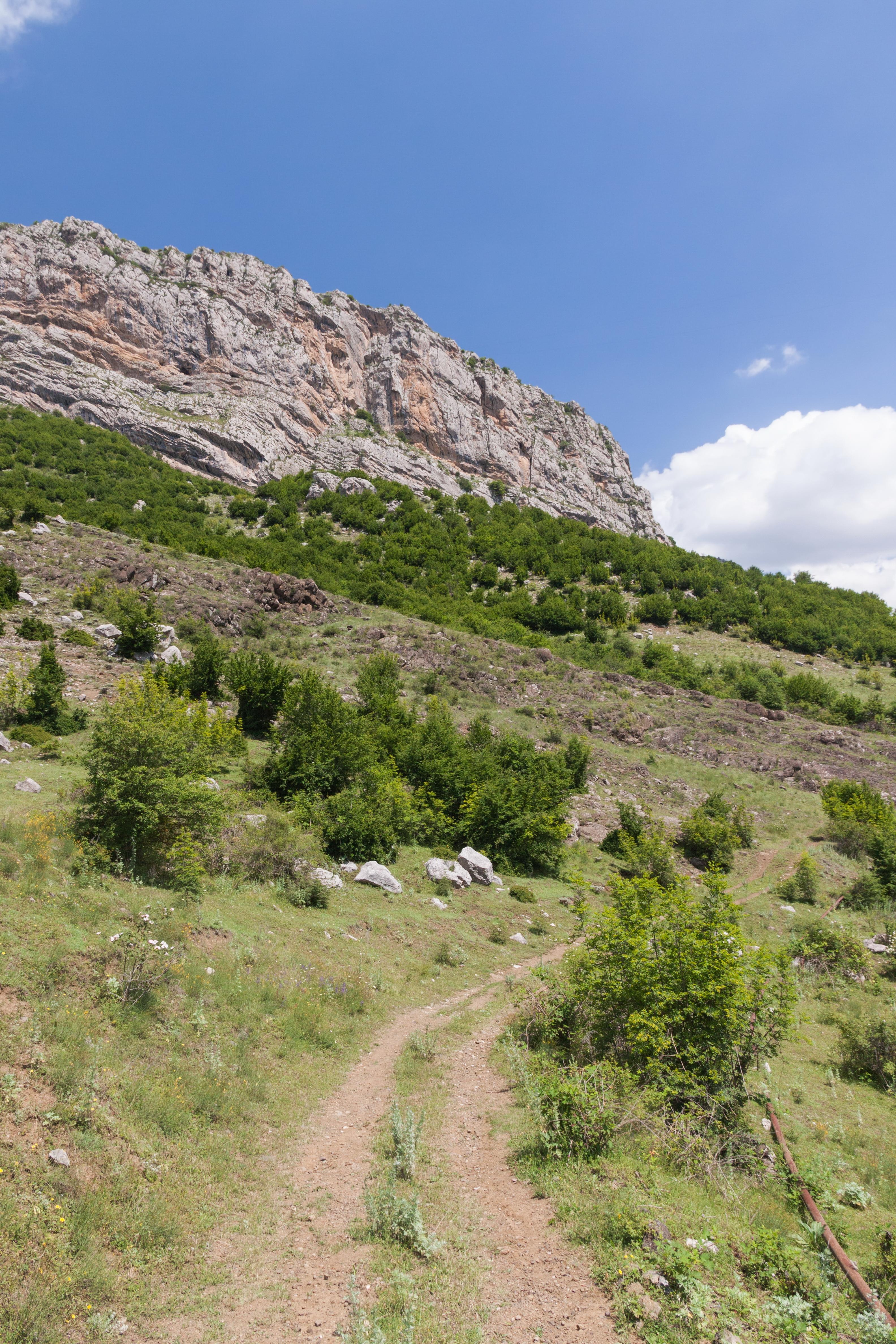 Janapar Trail – Travel guide at Wikivoyage