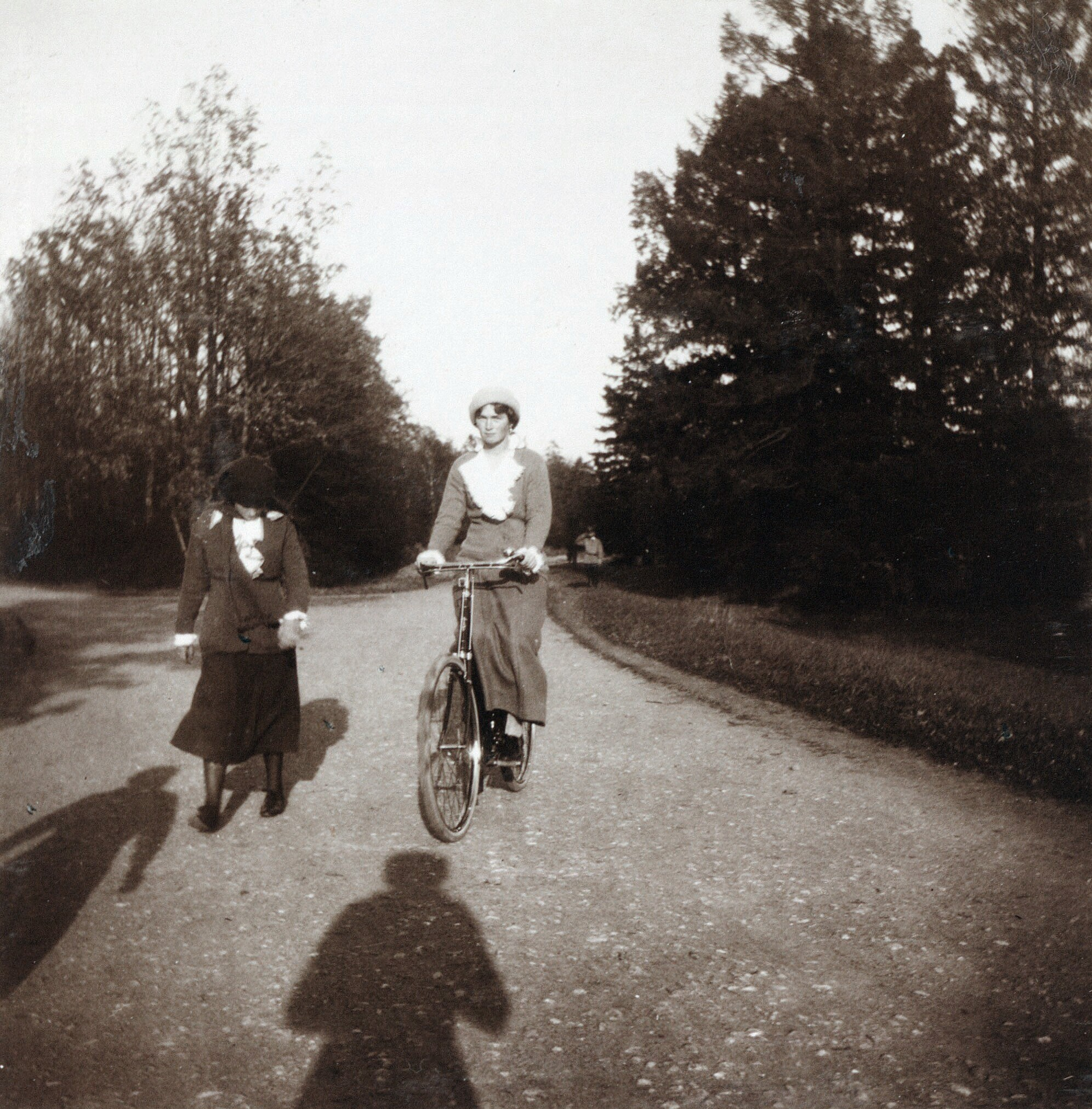 Fotos de Olga Romanov AnastasiaOlgabike