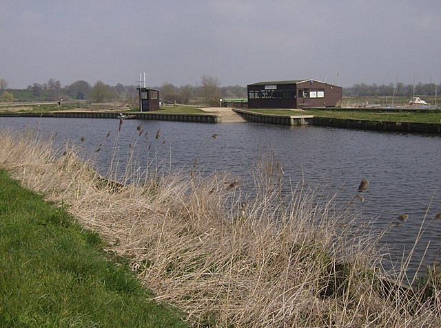 Beccles sailing club - geograph.org.uk - 977295