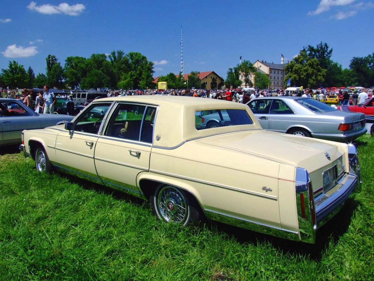 Cadillac Brougham Liter