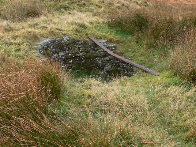 Capped mine on Axe Edge Moor - geograph.org.uk - 600460