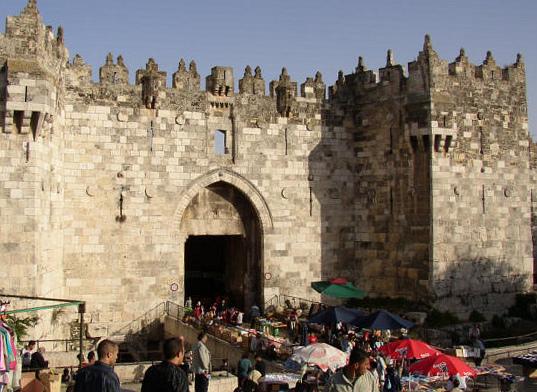 صور من اهم الاثار في فلسطين الحبيبه..! Damascus_Gate_Jerusa