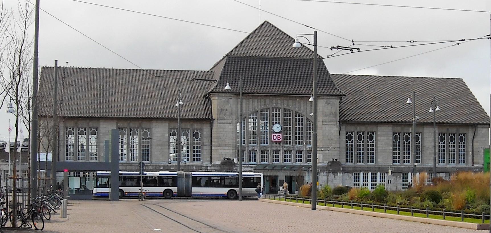 FileDarmstadt Hauptbahnhof front 20081205jpg Wikimedia Commons