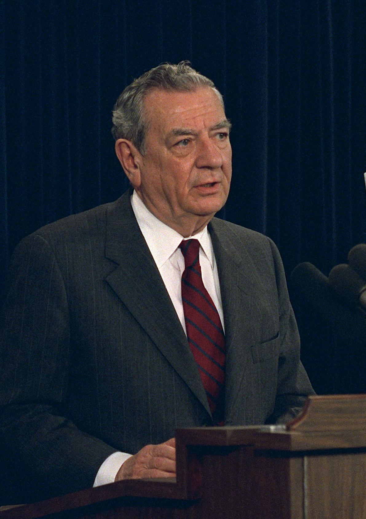 Donald J . Atwood Jr