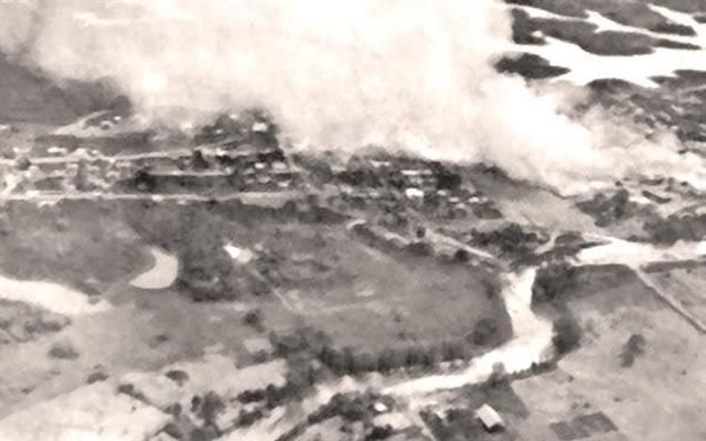https://upload.wikimedia.org/wikipedia/commons/7/71/Ecuador_en_guerra.jpg