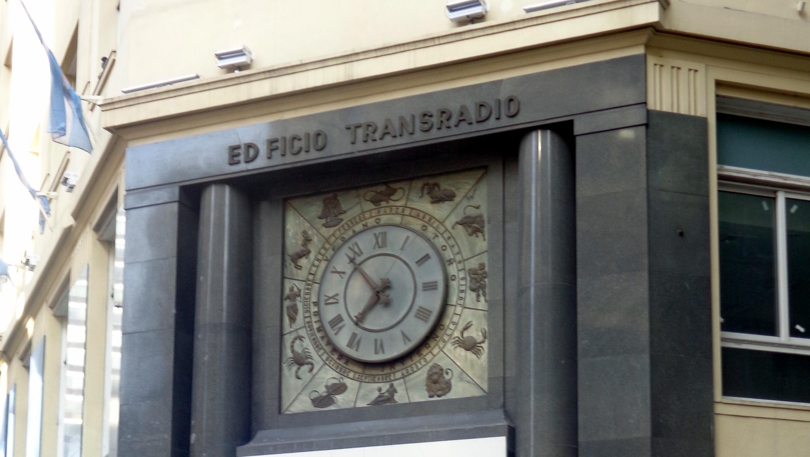 6e08cc45fa44 File Edificio Transradio Internacional Reloj signos zodíaco 01.JPG ...