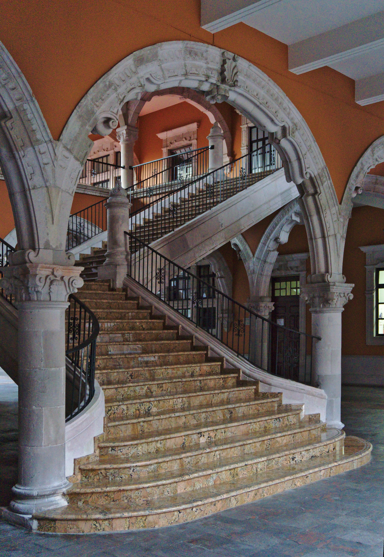 y arco interior del palacio de gobierno mexicojpg