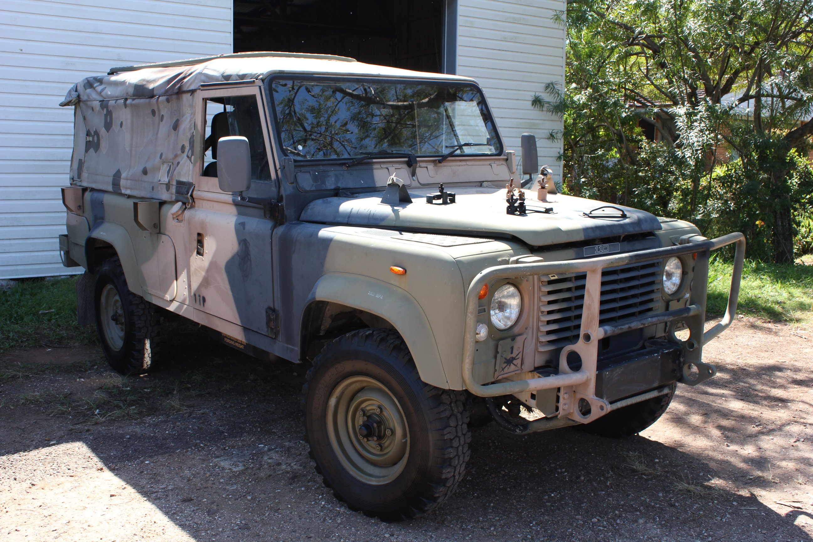 Land Rover Defender Military Wiki