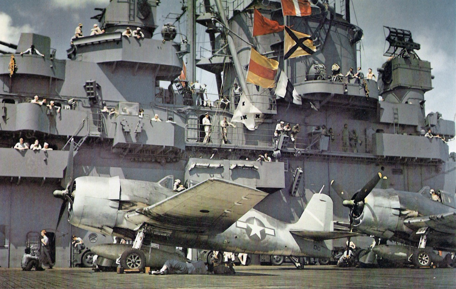 cv-9 uss essex  1943 - 1 350 - work in progress