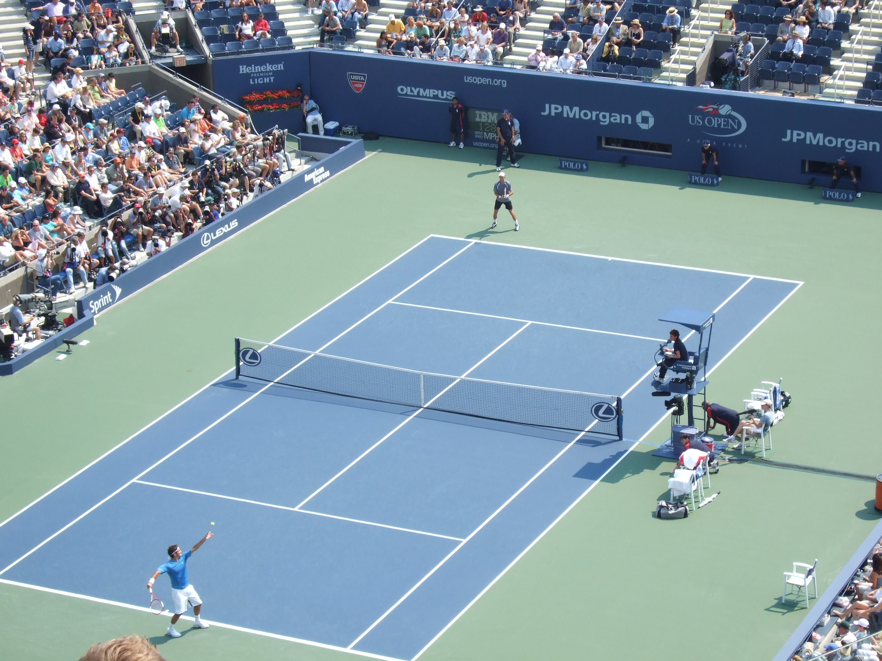File:Federer vs Davidenko US Open 2006 semis.JPG - Wikimedia Commons