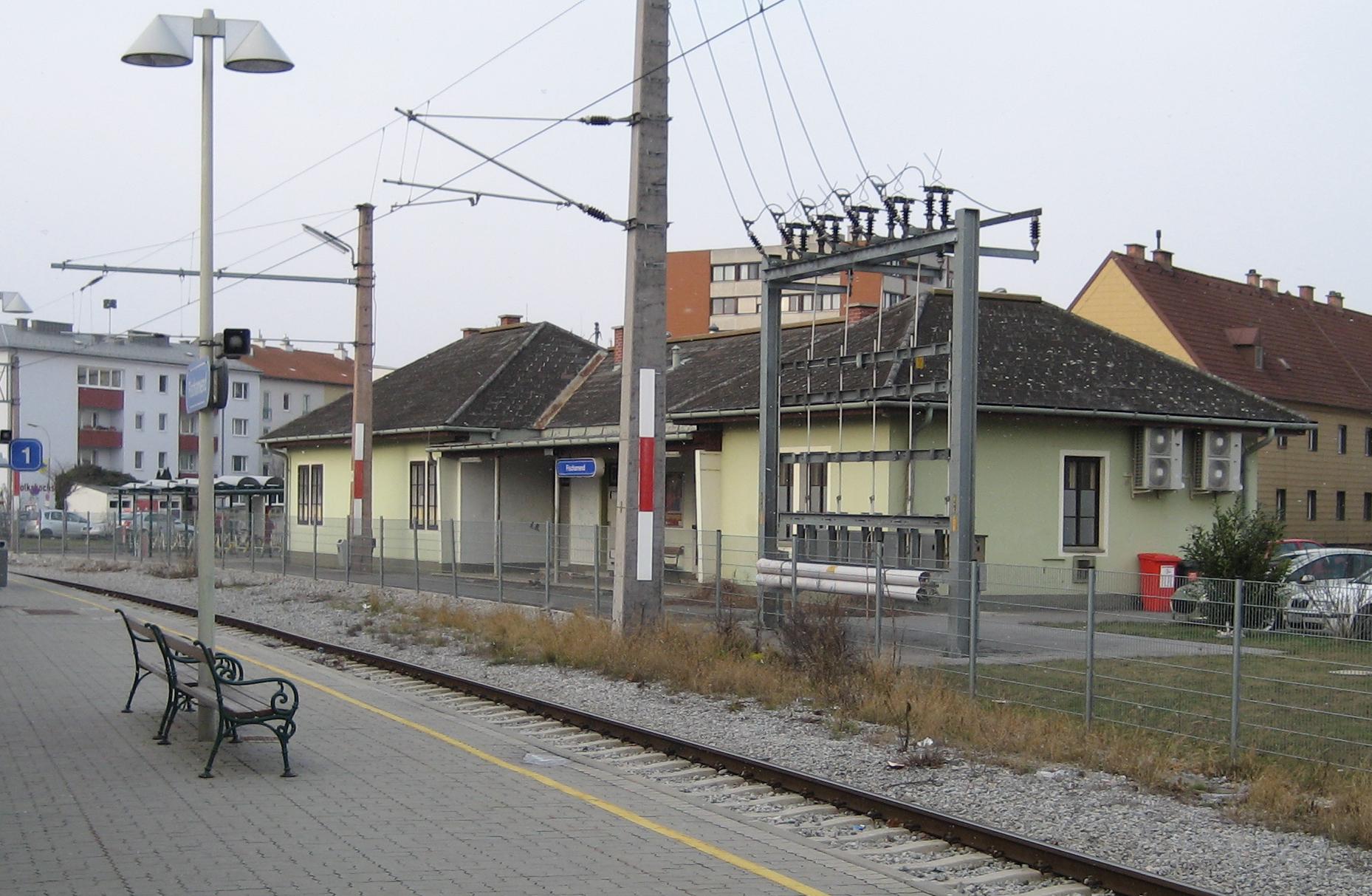 Fischamend Austria  city images : Fischamend Bf 02 Wikimedia Commons