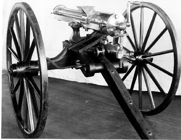 when was the machine gun invented