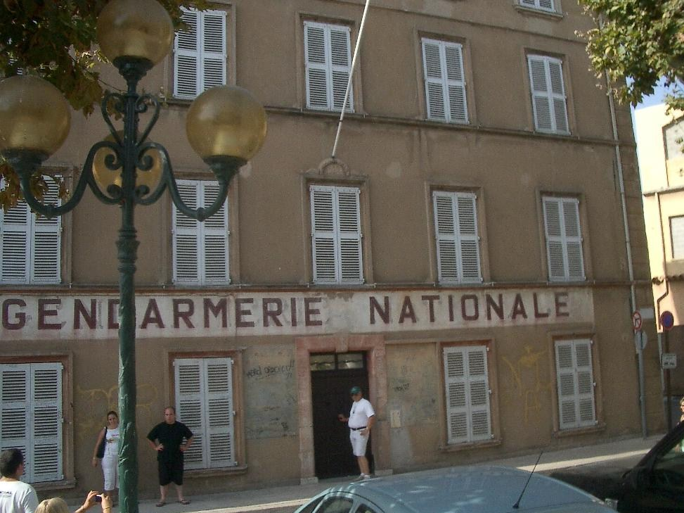 file gendarmerie nationale saint tropez jpg wikimedia commons. Black Bedroom Furniture Sets. Home Design Ideas