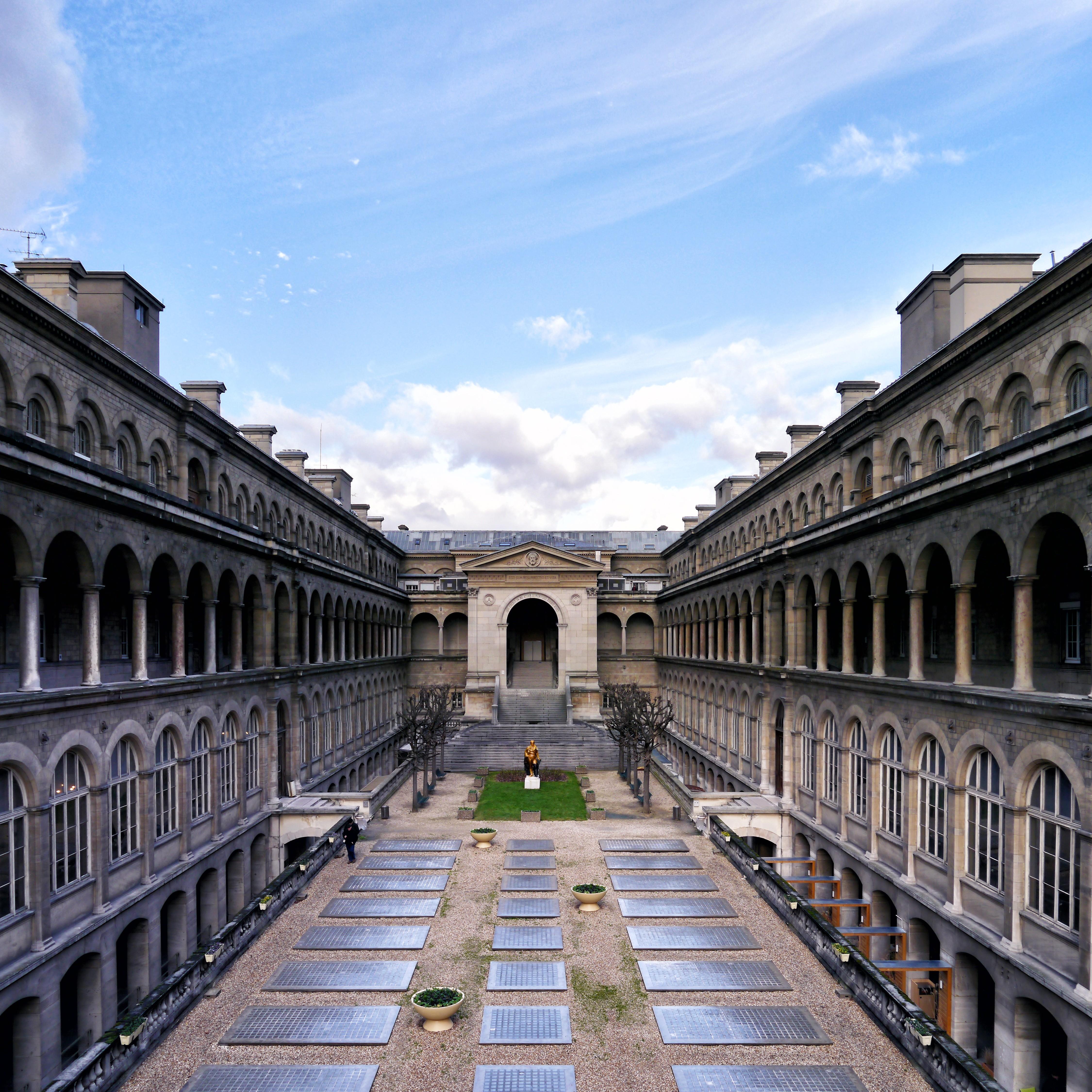 Paris Hotels Images The Hôtel-dieu de Paris