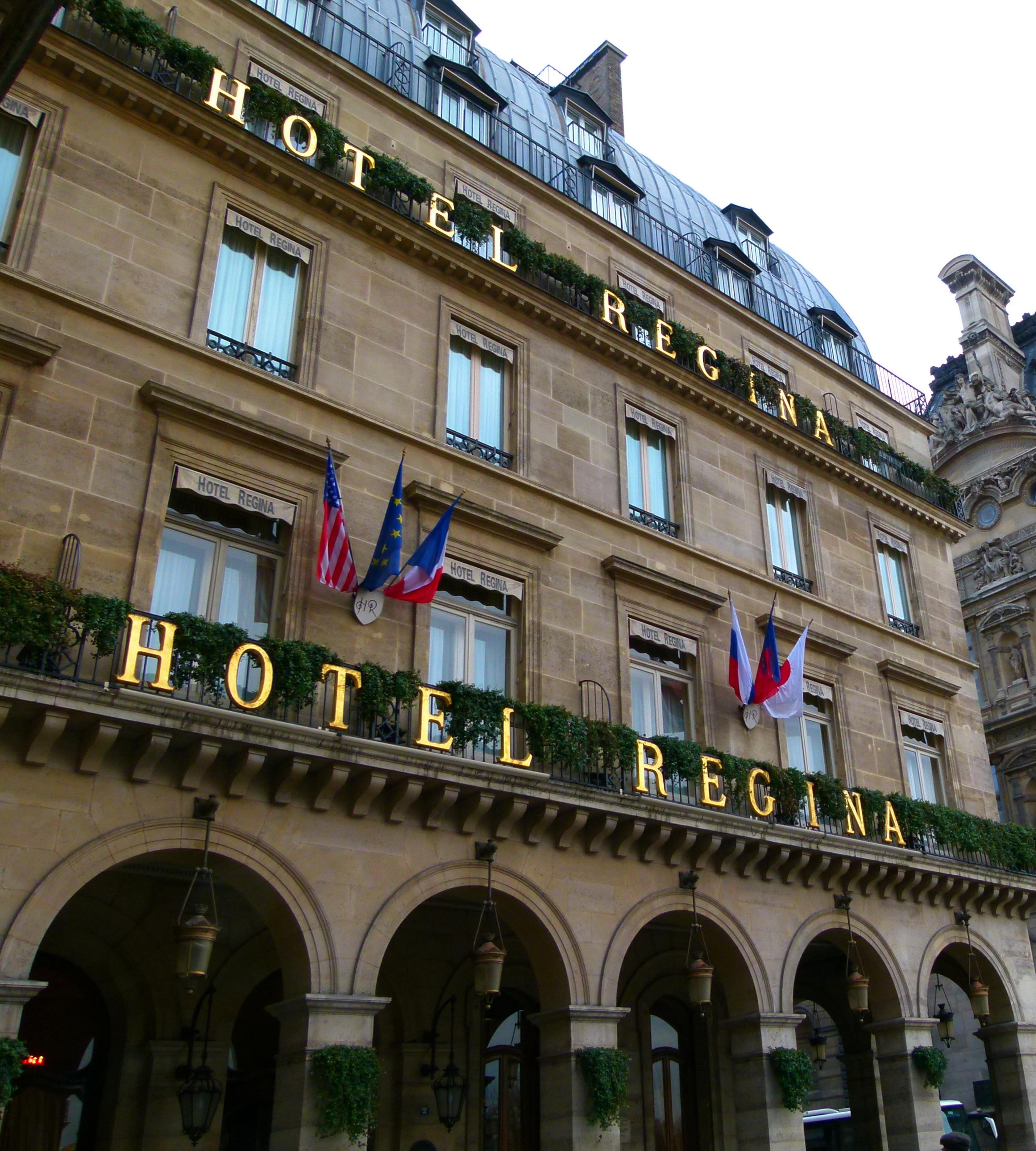 Hotel Regina Paris History