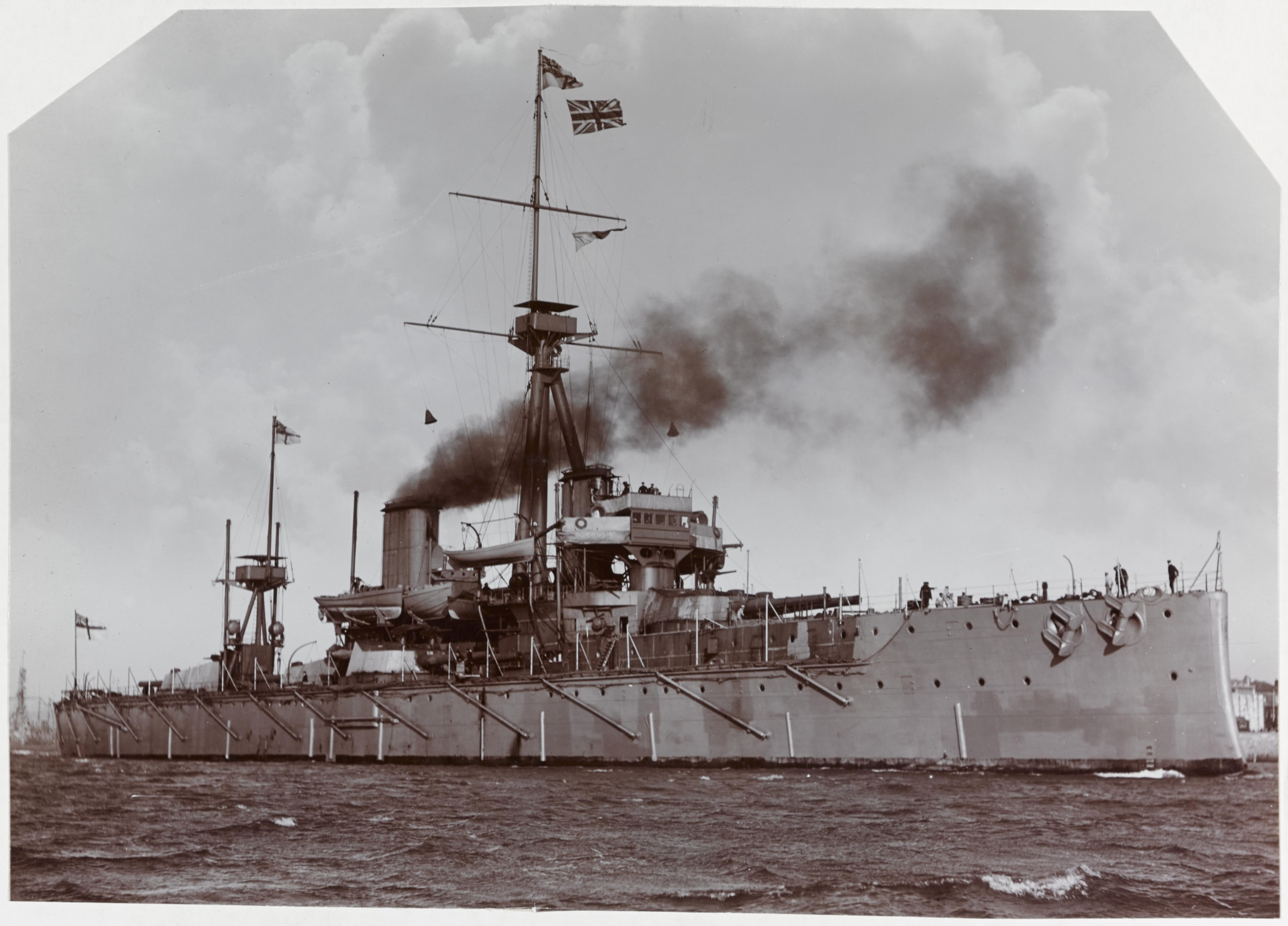 File:HMS Dreadnought 1906.jpg
