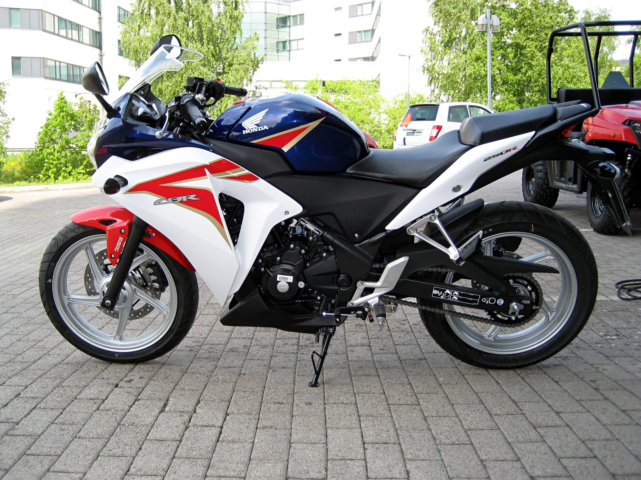 File Honda Cbr250r 2011 Jpg Wikimedia Commons