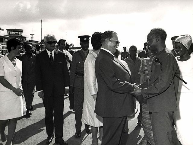 File:Ispraćaj predsednika Tita, na kraju posete Tanzaniji.jpg
