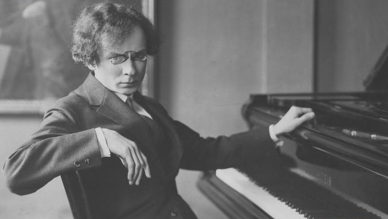 Stanislaw Neuhaus plays Frédéric Chopin http://pianoexplorations/chopininterpreters