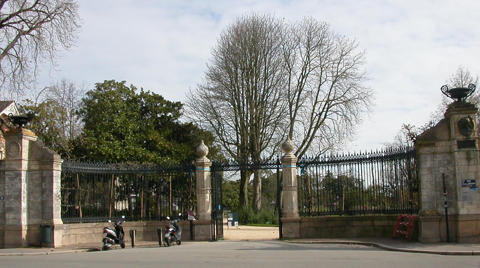 File jardin des plantes nantes entr wikimedia commons for Jardin des plantes nantes