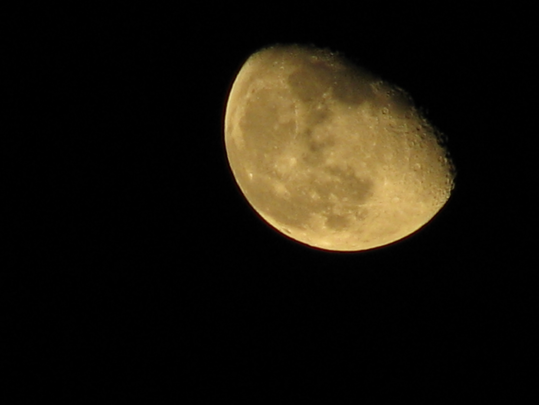 File:Jespahjoy - The Moon tonight (by).jpg - Wikimedia Commons