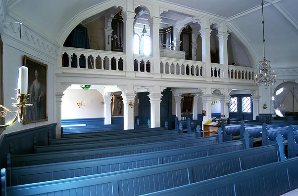 Ljusterö kyrka orgelläktaren.jpg