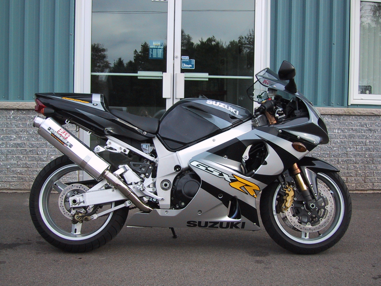 Suzuki GSX-R1000 - Wikipedia on