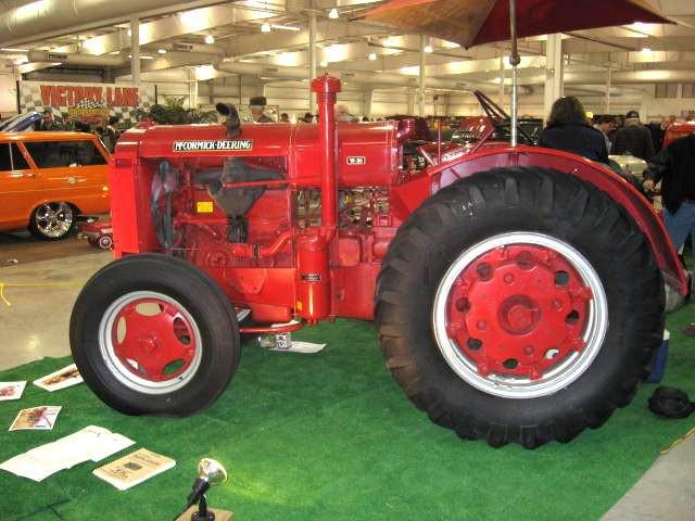 McCormick_Deering_tractor.jpg