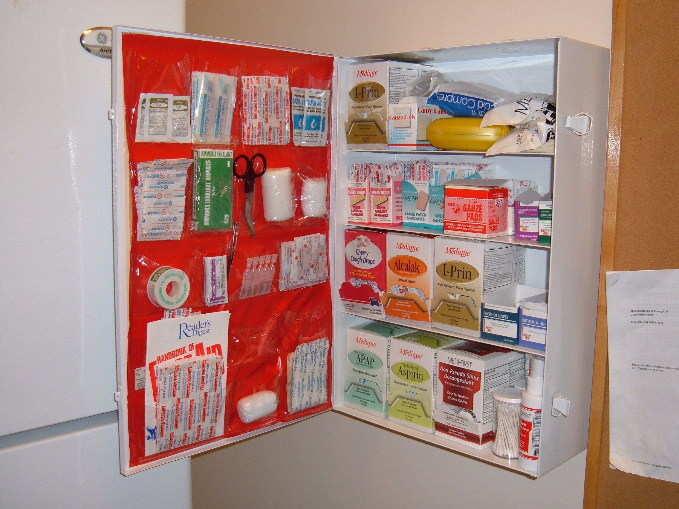 File:Medlife Services first aid cabinet.JPG - Wikimedia Commons